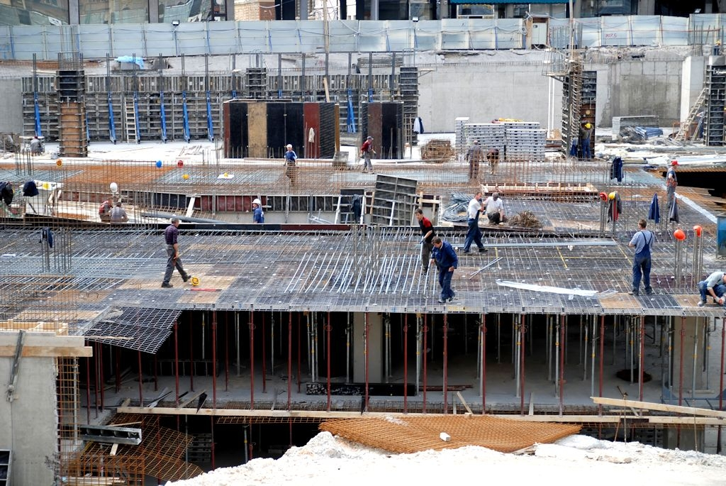 Construction Review Image of Workers Onsite